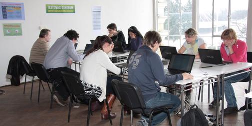 Online testování jazyků na veletrhu Lingua Show.