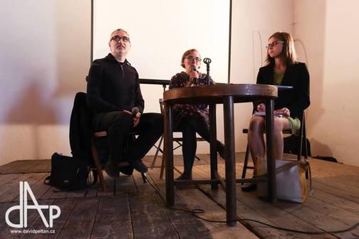 Tlumočení na literárním festivalu Tabook - diskuse s Davidem B.