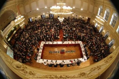 Jazyková agentura Channel Crossings je oficiálním dodavatelem tlumočení pro konferenci Forum 2000